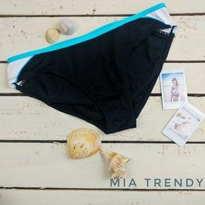 Nike Sporty Bikini Bottom Size 12